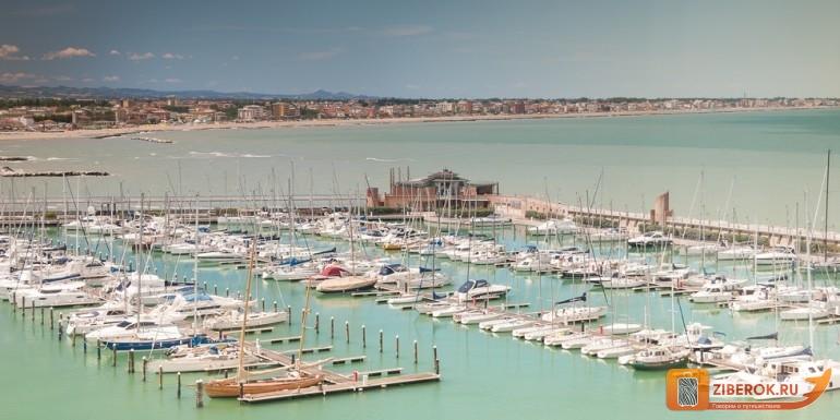 morskoj-port-v-Rimini